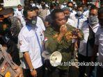 foto_forum_rt_rw_se-pekanbaru_gelar_aksi_terkait_insentif_yang_belum_dibayar_1.jpg