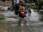 foto_genangan_air_di_jalan_perwira_pekanbaru-2jpg.jpg