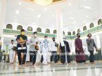 foto_gubri_tarawih_perdana_di_mesjid_an_nur_pekanbaru_3.jpg