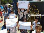 foto_imigran_di_pekanbaru_gelar_aksi_unjuk_rasa_3.jpg