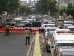 foto_kemacetan_jalan_di_pekanbaru_akibat_ppkm_level_4_3.jpg