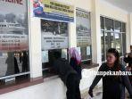 foto_membeli_tiket_di_pelabuhan_sungai_duku_pekanbaru_4.jpg