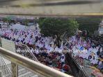 foto_pelaksanaan_salat_idul_fitri_1442_h_di_pekanbaru_1.jpg