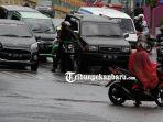 foto_pelanggaran_lalu_lintas_di-pekanbaru_sejumlah_sepeda_motor_melawan_arus_2.jpg