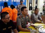 foto_pembunuh_anak_kandung_di_pekanbaru_akan_dikirim_ke_rsj_tampan_3jp.jpg