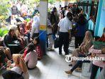 foto_penerimaan_peserta_didik_baru_di_sma_8_pekanbaru_membludak_5.jpg