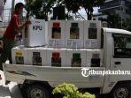 foto_pengumpulan_kotak_suara_di_kantor_camat_sukajadi_pekanbaru_5.jpg
