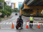 foto_penutupan_ruas_jalan_di_pekanbaru_guna_memaksimalkan_psbb_2.jpg