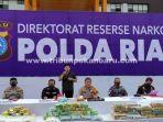 foto_polda_riau_ungkap_5_kasus_peredaran_narkoba_dengan_12_tersangka_3.jpg