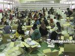 foto_proses_pelipatan_surat_suara_di_pekanbaru_jelang_pemilu_2019_2.jpg