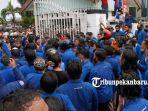 foto_ratusan_mahasiswa-di_riau_demo_tolak_uu_cipta_kerja_2jpg.jpg