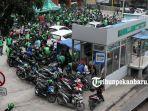 foto_ratusan_pengemudi_gojek_pekanbaru_demo_ke_manajemen_3.jpg