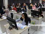 foto_simulasi_cat_cpns_2019_dengan_sistem_cat_di_kantor_bkn_pekanbaru_1.jpg