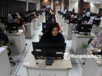 foto_simulasi_tes_cpns_dengan_sistem_cat_di_kantor_bkn_pekanbaru_2.jpg