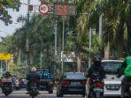 foto_speedmeter_di_jalan_sudirman_pekanbaru_1.jpg<pf>foto_speedmeter_di_jalan_sudirman_pekanbaru_2.jpg<pf>foto_speedmeter_di_jalan_sudirman_pekanbaru_3.jpg