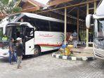 foto_terminal_bandar_raya_payung_sekaki_pekanbaru_sepi_1.jpg<pf>foto_terminal_bandar_raya_payung_sekaki_pekanbaru_sepi_2.jpg<pf>foto_terminal_bandar_raya_payung_sekaki_pekanbaru_sepi_3.jpg
