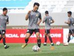foto_tim_aa_tiga_naga_jalani_latihan_di_stadion_gelora_sriwijaya_laga_perdana_jelang_liga_2_2.jpg