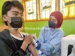 foto_vaksinasi_bagi_guru_dan_siswa_smk_swasta_di_pekanbaru_2.jpg