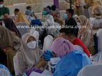foto_vaksinasi_bagi_pelajar_di_pekanbaru_1.jpg<pf>foto_vaksinasi_bagi_pelajar_di_pekanbaru_2.jpg<pf>foto_vaksinasi_bagi_pelajar_di_pekanbaru_3.jpg