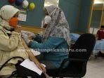 foto_vaksinasi_covid-19_bagi_ibu_hamil_di_pekanbaru_1jpg.jpg
