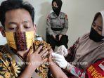 foto_vaksinasi_covid-19_di_vaksin_center_di_rs_bhayangkara_polda_riau_1.jpg