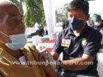 foto_vaksinasi_massal_di_rs_bhayangkara_pekanbaru_3.jpg
