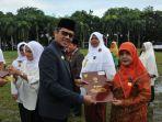 gubernur-sumatera-barat-sumbar-irwan-prayitno_20180103_124717.jpg