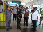 gubernur_riau_syamsuar_meninjau_bandara_skk_ii_pekanbaru_jumat_jelang_penutupan.jpg