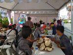 hari-pertama-festival-makan-durian-sepuasnya-di-living-world-pekanbaru-jumat-2232019.jpg