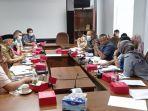 hasil_hearing_komisi_iv_dprd_pekanbaru_pengangkutan_sampah_masih_dualisme_masih_tumpang_tindih.jpg