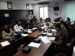 hearing_dengan_bapenda_pekanbaru_dprd_pekanbaru_minta_jangan_ada_lobi-lobi_petugas_di_lapangan.jpg