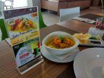 ini-dia-soto-khas-pekanbaru-ala-pesonna-hotel_20170320_112319.jpg