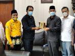 jajaran-pimpinan-tribun-pekanbaru-melakukan-silaturahmi-ke-jajaran-pimpinan-dprd-kampar.jpg