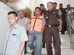 jaksa-tahan-direktur-pt-sabarjaya-karyatama_20181108_190902.jpg