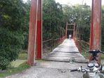 jembatan-merah-desa-gareccing.jpg