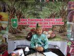 kabid_pengolahan_dan_pemasaran_dinas_perkebunan_riau_defris_hatmaja_sp_msi.jpg