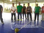 kadisporapar-inhu-buka-turnamen-futsal_20180928_192306.jpg