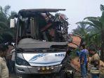 kecelakaan-di-simpang-langgam_20180726_080554.jpg