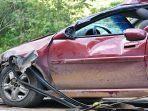 kecelakaan-mobil-tabrakan.jpg