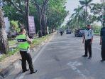 kecelakaan_lalu_lintas_di_pekanbaru_mobil_calya_tabrak_pemotor_pesepeda_dan_pejalan_kaki_1_tewas.jpg