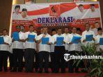 kepala-daerah-di-riau-deklarasi-relawan-jokowi-projo_20181010_225048.jpg
