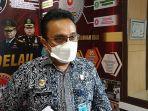 kepala-kantor-imigrasi-kelas-i-tpi-pekanbaru-syahrioma-delavino.jpg