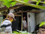kisah-sakir-warga-anjir-isolasi-diri-di-pondok-bekas-kayu-bakar-di-tengah-kebun-kelapa-banyak-semut.jpg