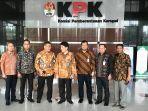 koordinator-wilayah-ii-sumatera-kpk-adlinsyah-m-nasution-dan-dirut-bank-riau-kepri_20180702_091249.jpg