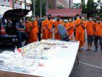 kronologi_pengungkapan_94_kg_sabu_polisi_8_hari_intai_pengiriman_narkoba_dari_malaysia_ke_riau.jpg