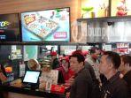 layanan-gerai-pizza-hut-delivery-hadir-di-pekanbaru_20181022_165515.jpg