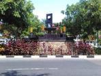lempengan-kuning-tugu-adipura-pekanbaru-hilang_20160712_125243.jpg