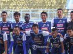 live-streaming-arema-fc-vs-sriwijaya-fc-liga-1-2018-skor-sementara-imbang-1-1.jpg