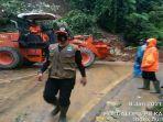 longsor-di-jalan-provinsi-manggopoh-padang-lua-agam.jpg