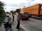 macet-jalan-lintas-pekanbaru-dumai-kecamatan-pinggir_20181012_211833.jpg